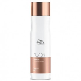 Wella Professionals Fusion Shampoo (250ml)